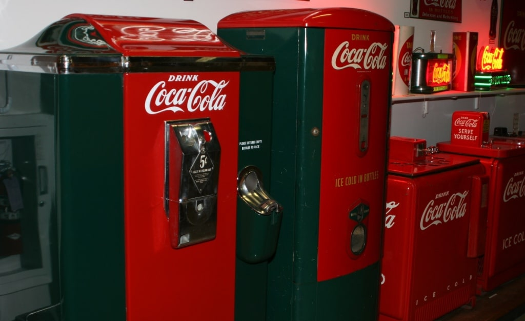 Vintage_Coca-Cola_Vending_Machines